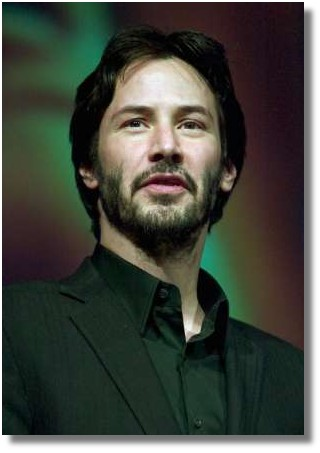 Actor Keanu Reeves presents an award at the Paris Las Vegas hotel during ShoWest, the official convention of the National Association of Theatre Owners, March 25, 2004, in Las Vegas, Nevada. REUTERS/Ethan Miller