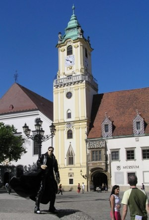 04old-town-hall.JPG