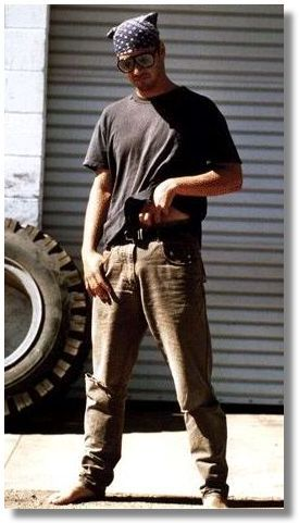 casual Keanu, maybe commando?