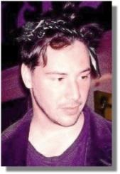 Keanu pays homage to Cyndi Lauper