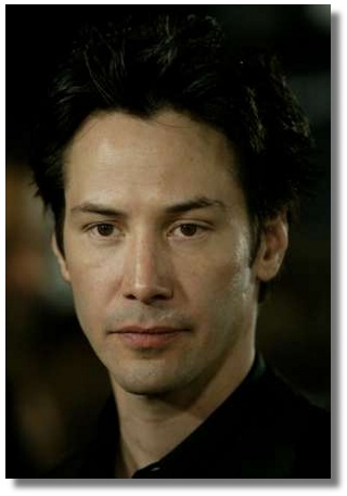 Actor and cast member Keanu Reeves, who stars as Neo, arrives for the world premiere of the film 'Matrix Revolutions' at the Walt Disney Concert Hall in Los Angeles, October 27, 2003. In the final chapter of the Matrix trilogy, the rebels' long quest for freedom culminates in a final explosive battle. The premiere is the first in the Frank Gehry designed music hall. REUTERS/Robert Galbraith